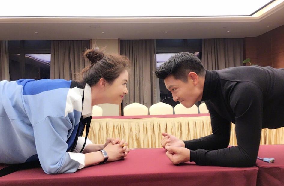 """李宗翰、蒋欣拍戏频互动 被组""""衷心cp"""" 暗发糖"""