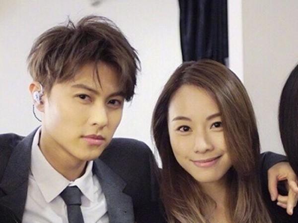 王子被曝带女友回台湾 邓丽欣同班机爱相随露馅