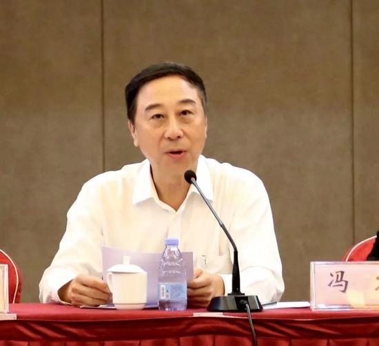 当选民革中央副主席半年后 冯巩再有新职务!