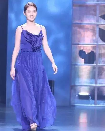 《新舞林大会》杨丞琳显露高情商 网友:难怪李荣浩那么喜欢她