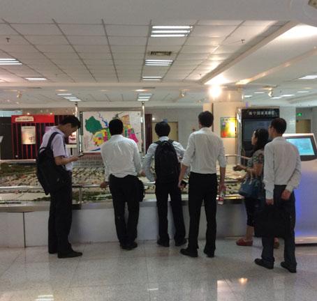 中投顾问考察团完成南宁高新区考察工作 双方签署合作协议